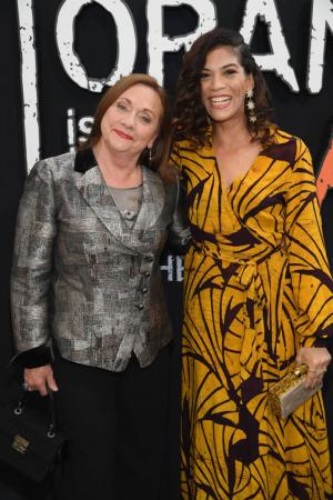 Dale Soules (Frieda Berlin) en Laura Gómez (Blanca Flores)