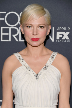 Een pixie cut met schuine froufrou à la Michelle Williams