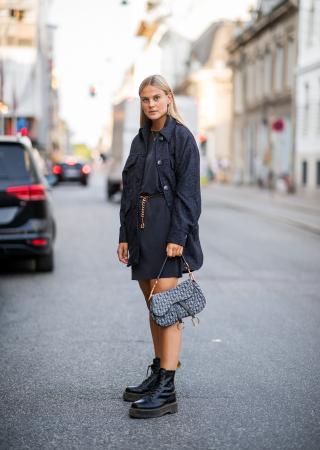 Oversized jas + jurkje + goudkleurige riem met schakels