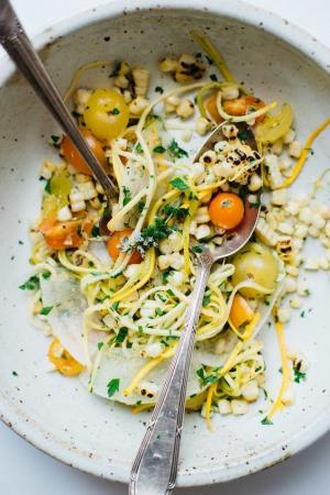 Salade de melon, courge, maïs et tomates