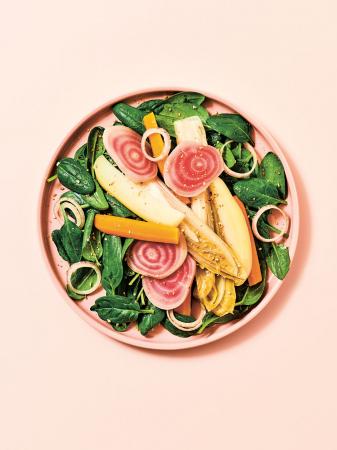 Groenten op een bedje van spinazie