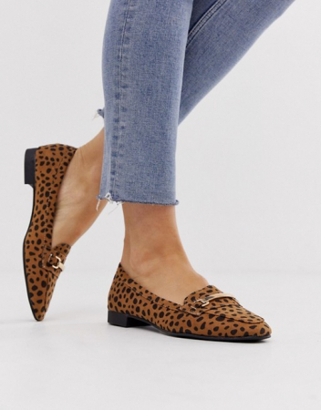 Loafers in luipaardprint