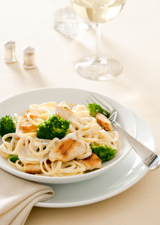 Woensdag: romige pasta met kip en broccoli