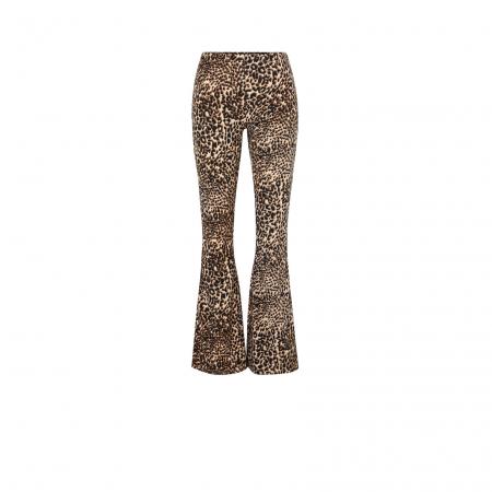 Un pantalon imprimé léopard