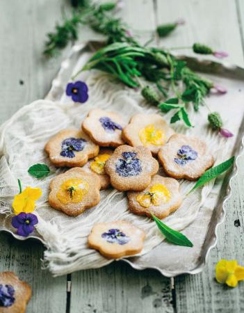 Zandkoekjes met viooltjes
