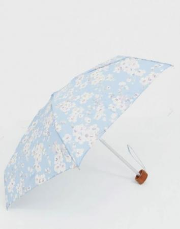 Lichtblauwe paraplu met bloemenprint