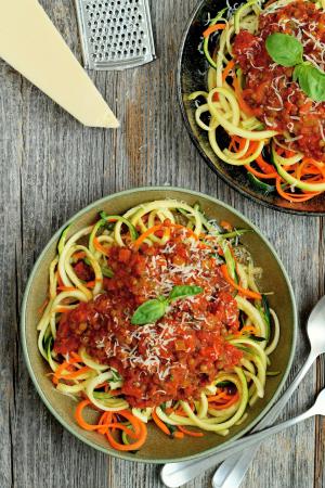 Diner: groentespaghetti met linzenbolognese