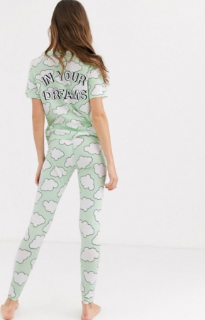Lichtgroene pyjama met wolkenprint