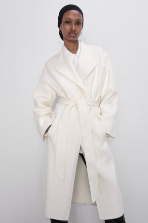 Manteau blanc à ceinture