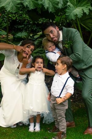 De bruidsjonkers en het bloemenmeisje