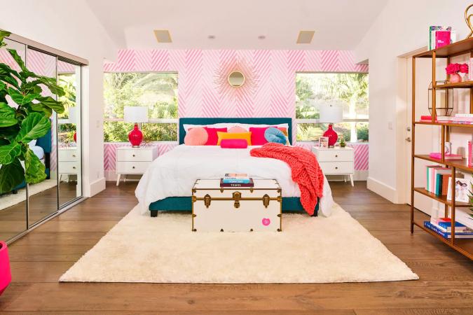 Airbnb x Barbie