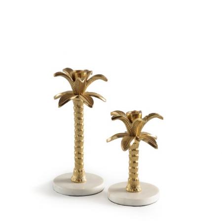 Set van twee goudkleurige kandelaars in de vorm van een palmboom