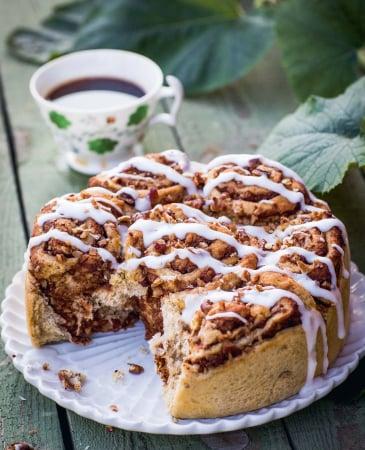 VEGAN: cinnamon buns metpompoen en pecannoten