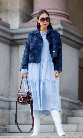Petite veste de tailleur et robe d'hiver