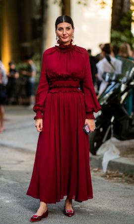 Une robe lie-de-vin
