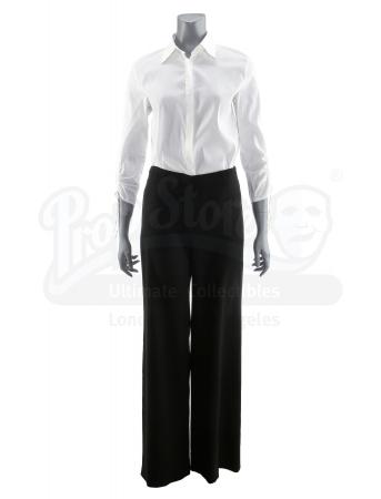De Ralph Lauren-outfit die Rachel droeg op haar werk bij de gelijknamige ontwerper.