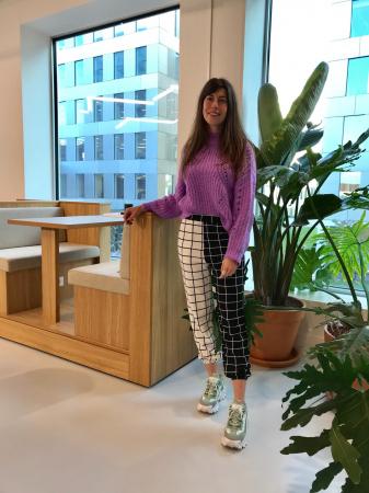 Redactrice Herlinde: mismatched broek