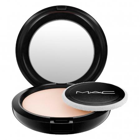 Poudre matifiante de MAC, 28 €.