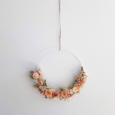 Couronne de fleurs by <em>Courant Vert</em>