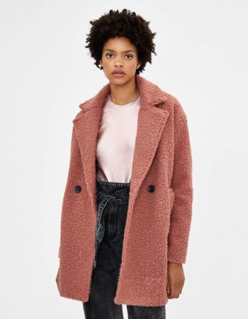 Un manteau effet mouton