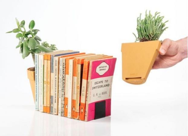 Des serre-livres pots de fleurs
