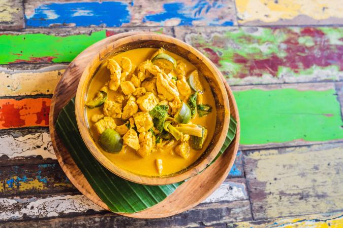 Thaise groene curry met tofu en courgette
