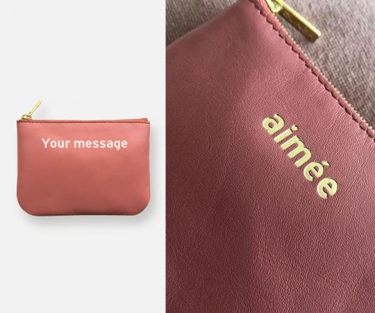 Un porte-monnaie personnalisé avec un doux message
