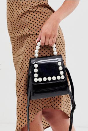 Zwart handtasje in faux lakleer