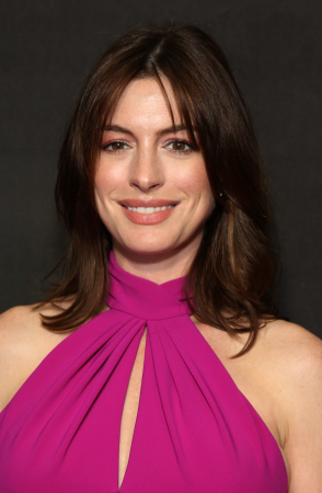 Curtain bangs zoals Anne Hathaway