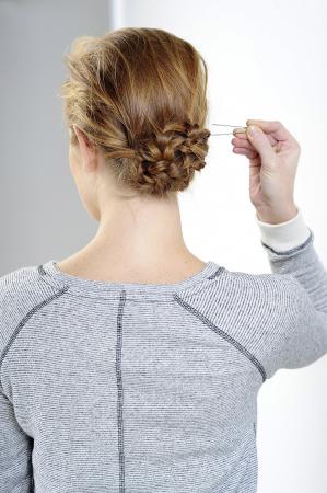 Lage, ingevlochten knot