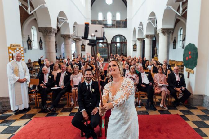 De selfie tijdens de kerkelijke ceremonie