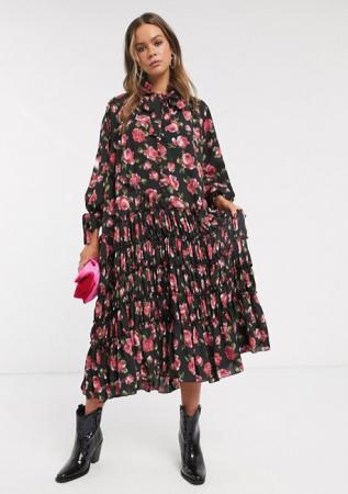 Zwarte maxi-jurk met roze bloemenprint en lange mouwen