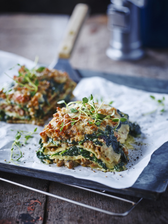Pannenkoekenlasagne met spinazie en lamsgehakt