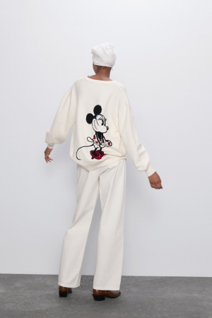 Witte trui met Minnie Mouse