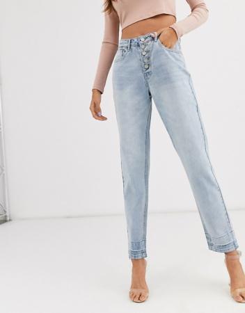 Mom jeans met meerdere knopen