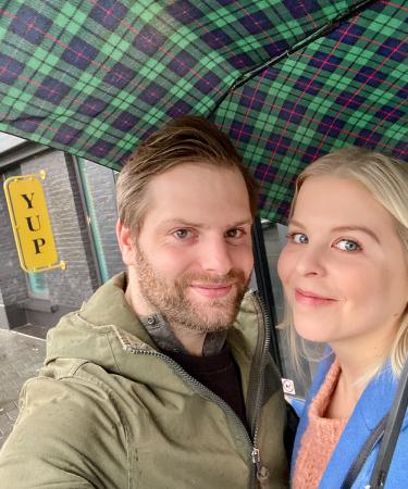 Redactrice Sandie en haar lief gingen romantisch (en vooral ook regenachtig) in Hasselt overnachten met onze kortingspocket.