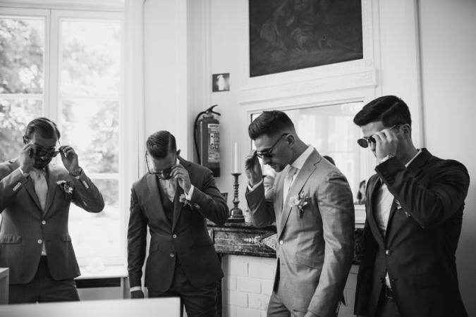 De bruidegom en de getuigen