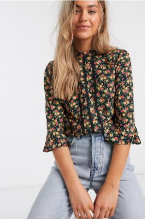 Zwarte blouse met bloemenprint en driekwartmouwen