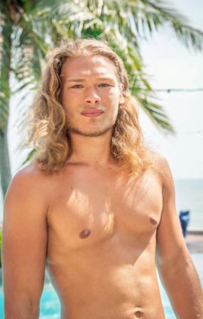 Christophe (23) woont in Wuustwezel