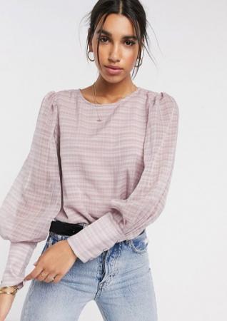 Lila blouse met pofmouwen en ruitjesmotief