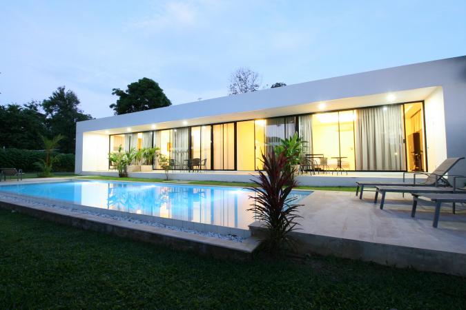 2017 – Le Whithe Breeze Apartment à Phuket (Thaïlande)