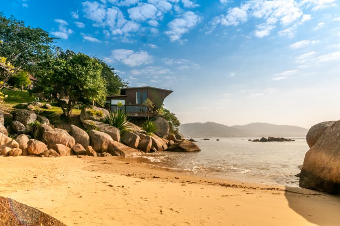 2019 – Une villa en bord de mer à Santa Catarina (Brésil)