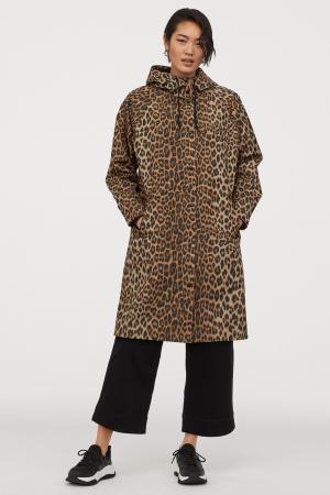 Lange regenjas in luipaardprint