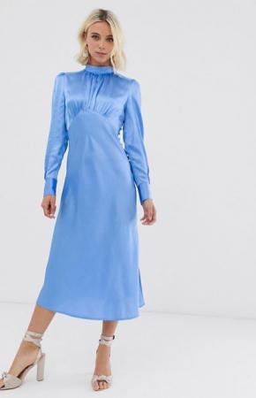 Ijsblauwe midi-jurk met lange mouwen