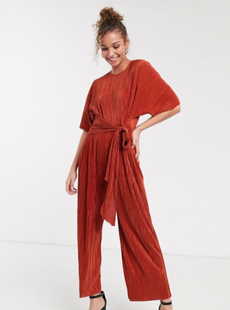 Roestkleurige jumpsuit met korte mouwen en culotte