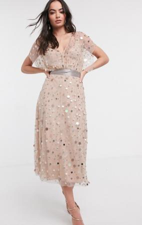 Champagnekleurige midi-jurk met oversized pailletten