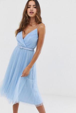 Babyblauwe midi-jurk met riem in tule