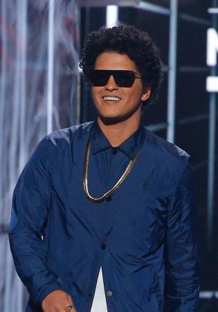 Bruno Mars alias Peter Gene Hernandez