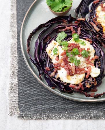 Steak van rodekool met geitenkaas en knapperige spekjes (2 pers., 30 min.)