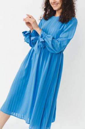 Blauw kleed met strikdetail